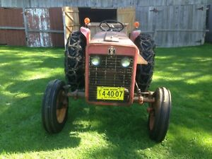 1969 International 276 model tractor and accessories