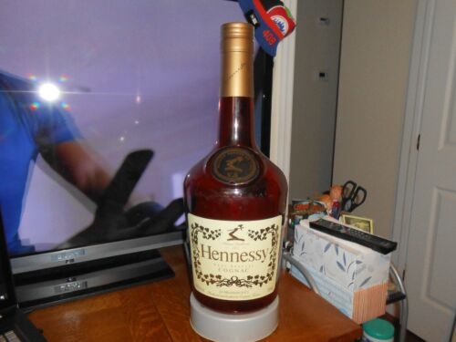 """RARE HENNESSY VERY SPECIAL COGNAC LARGE 25"""" STORE DISPLAY GOOD CONDITION  FREE S"""