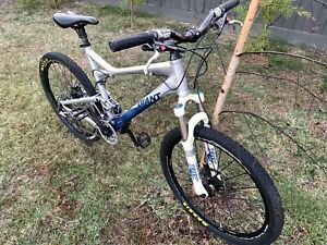 GIANT TRANCE 0 FOX MOUNTAIN BIKE DUAL SUSPENSION
