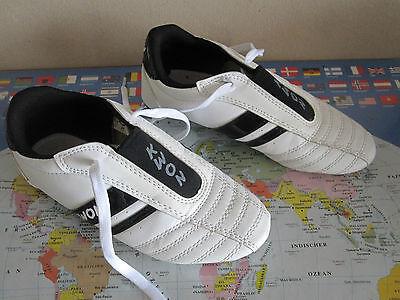 weiße TKD Schuhe Dynamic von KWON, Taekwondo Kampfsport Hallenschuhe Gr.35