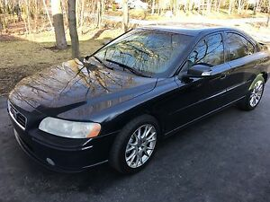 2007 Volvo 2.5T AWD S60 Sport Sedan fully loaded! Rare model!