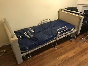 Hill Rom automatic / adjustable medical bed