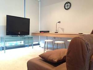looking for a flatmate in city! (male roommate) Southbank Melbourne City Preview