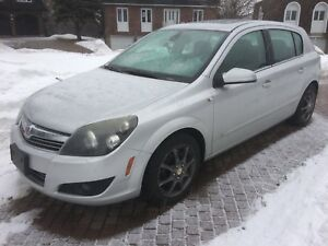 2008 Saturn Astra XR Wagon...4-cyl. Auto, equippee