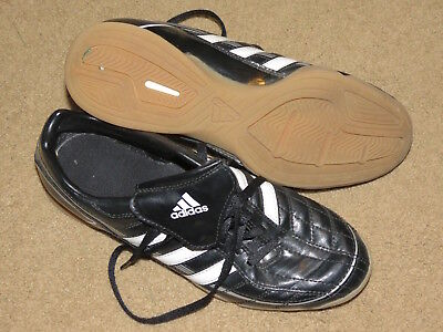 GREAT Adidas Puntero black + white indoor soccer shoes - youth / mens 7