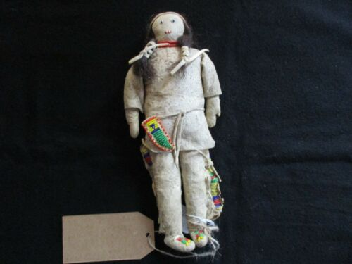 NATIVE AMERICAN BEADED LEATHER DOLL,  AUTHENTIC SOUTH DAKOTA DOLL  SD-0821*05726