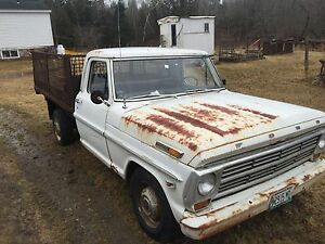 1968 Ford 250 classic truck