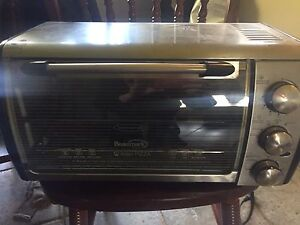 10$ Toaster oven - fits a frozen pizza! HUGE MOVING SALE!!!!!!!