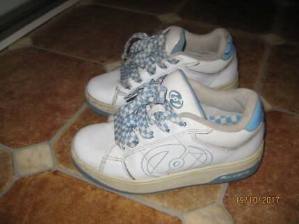 Kids Heelys skate shoes FOR Primary school age child