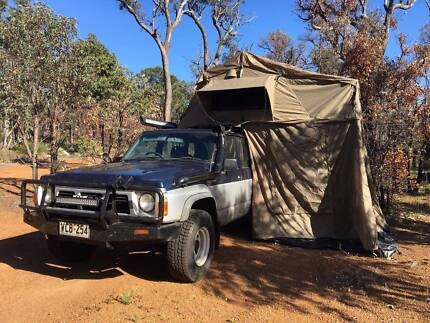 Nissan patrol 4WD with roof toptent