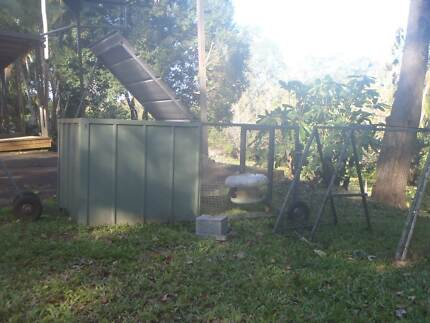 Mobile Chicken Tractor/ Coop plus Brooding Cage Palmwoods Maroochydore Area Preview