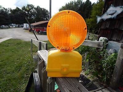 Flex-o-lite Signal Paralta Barricade Construction Light 6 Volt Led Light New