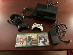 Xbox one 500gb and lots of accessories