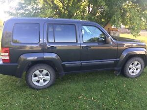 Safetied 2011 jeep liberty 4x4
