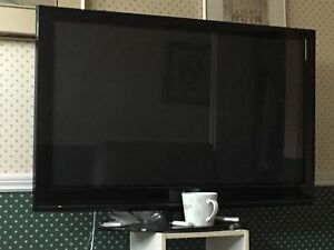 42 inch, LG TV, Mint Condition ! With remote !