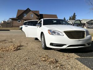 LIMITED 2012 Chrysler 200 LOW KM's