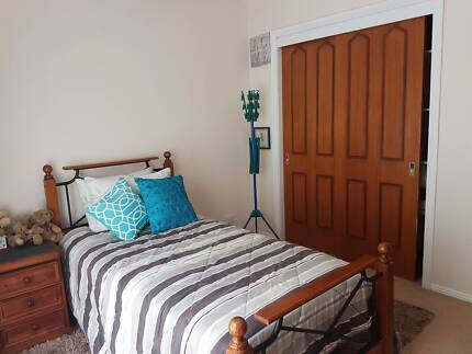 X2 bedrooms for rent - Berwick Central - Safe, clean environment.
