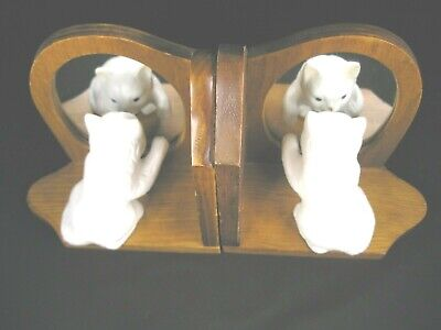 "For the cat Lover..a great set of Vtg ""Kitten Looking in the Mirror"" Bookends"