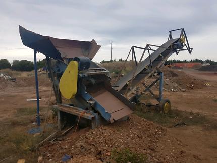 Wanted: Soil conveyor 240volt