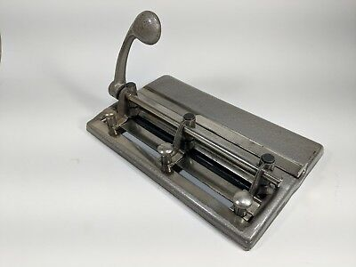 Vintage 3 Hole Punch Master Products Mfg.inc Series 25 Made In Usa