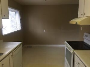 Three bedrooms townhouse for sale in Windsor