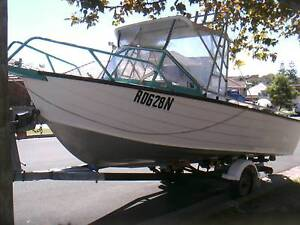 5.3 m aluminium fishing boat 120hp outboard on trailer all rego'd Banksmeadow Botany Bay Area Preview