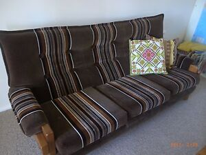 SOFA / COUCH / LAUNGE Georgetown Newcastle Area Preview
