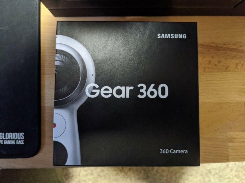 Samsung Gear 360 (2017) Camcorder - White