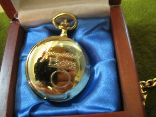 """GRAND AERIE FRAT. ORDER OF EAGLES GOLD TONE POCKET WATCH N 12""""CHAIN NEW OLD STK."""