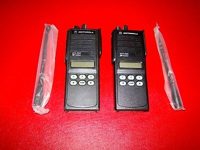 Lot Of 2 Motorola Mts 2000 Ii Flashport Two Way Uhf Radio H01ucf6pw1bn 800mhz
