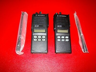 Lot Of 2 Motorola Mts 2000 Ii Flashport Two Way Uhf Radio H01ucf6pw1bn 800mhz