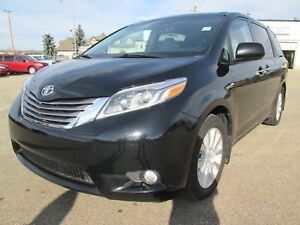 2017 Toyota Sienna XLE AWD- Leather- Nav- Pwr Sliding Doors