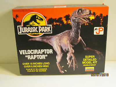 BRONTOSAURUS BOXED PLASTIC MODEL KIT MADE BY LINDBERG DINOSAURS