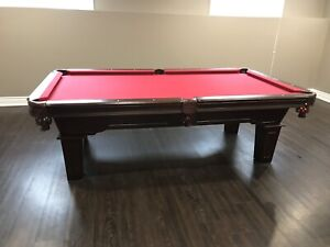 Le baron slate pool table with accessories, great table, obo