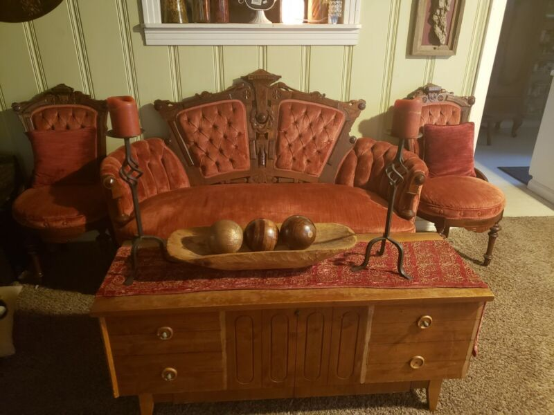Antique Chaise /2 chairs