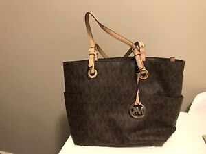 Michael kors purse REDUCED