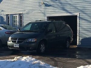 2007 Dodge Grand Caravan SXT amazing deal