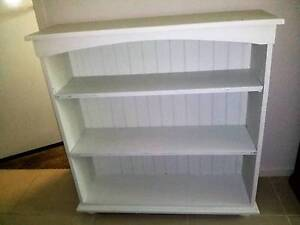 WHITE TIMBER BOOKCASE Thornton Maitland Area Preview