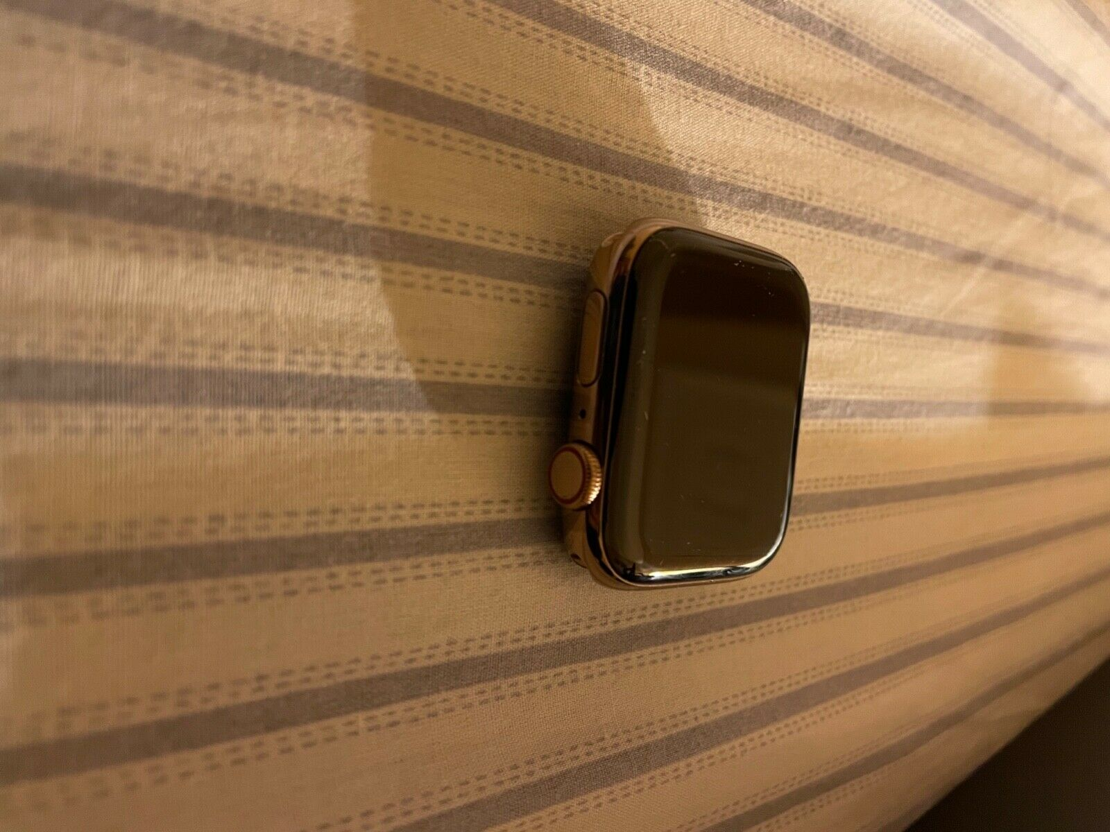 Apple Watch Series 4 44 Mm Gold Stainless Steel Case. GPS  - $320.00
