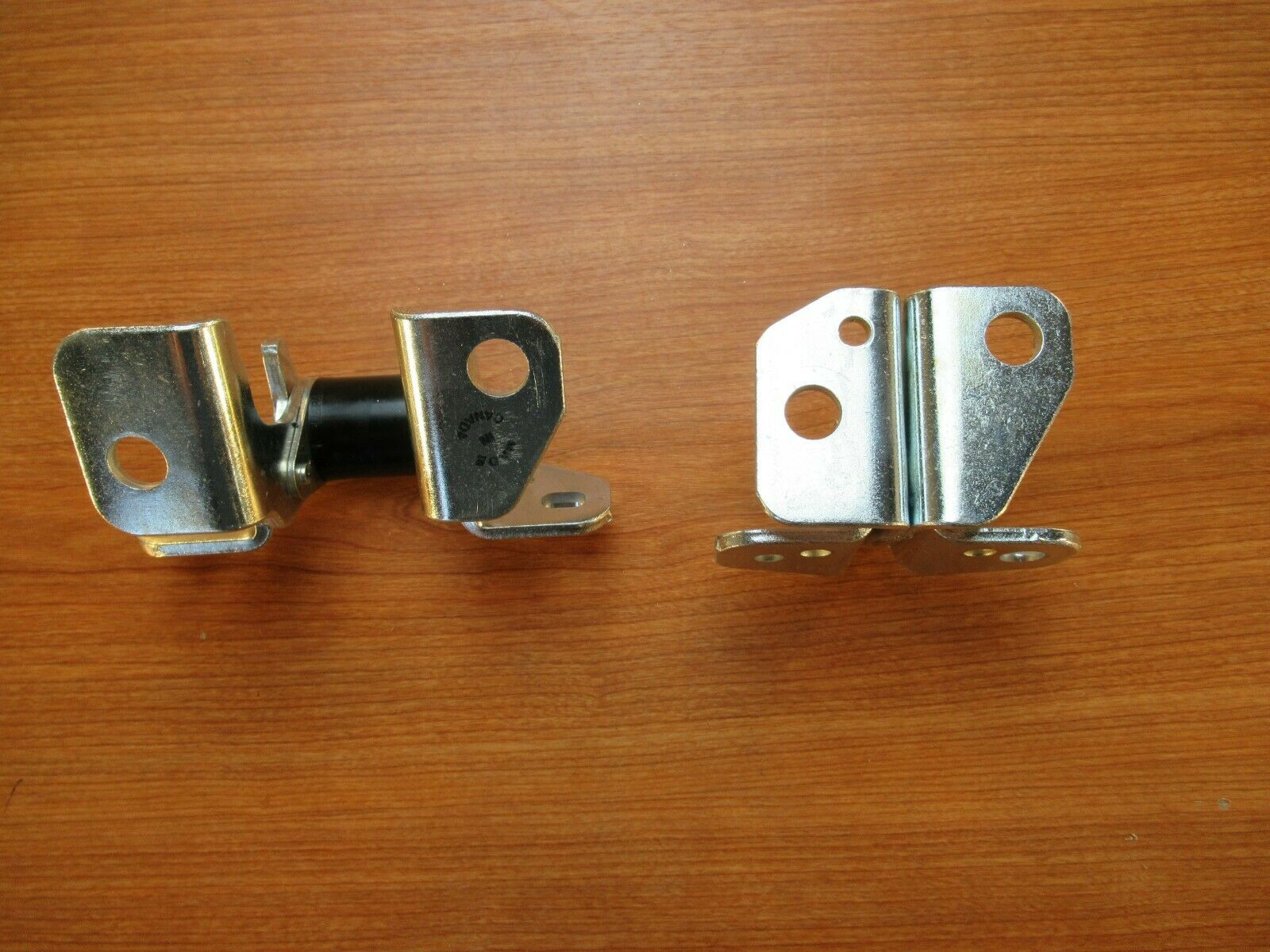 Jeep Grand Cherokee Drivers Side Lower Door Hinge Front AND Rear ...