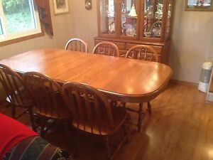 Solid oak dining suite with buffet and hutch