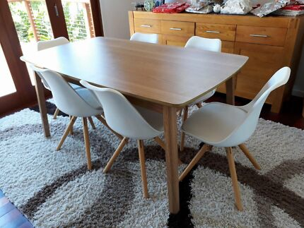 Retro  style Fantastic Furniture Dining Room Set. retro in Brisbane North East  QLD   Dining Tables   Gumtree