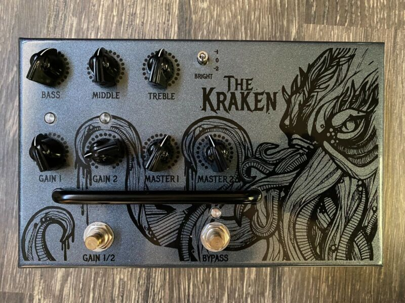 Victory Amps V4 Kraken Tube Valve Two Channel Preamp Pedal - Excellent Condition