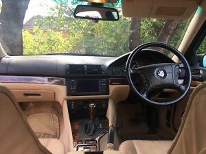 BMW V8 540i Executive.