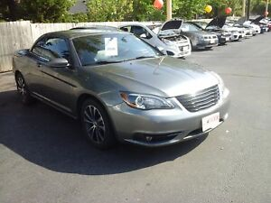 2012 CHRYSLER 200 S CONVERTIBLE - NAVIGATION, LEATHER HEATED SEA