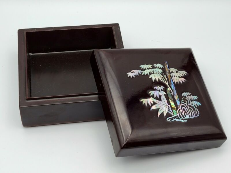 Vtg Asian Black Lacquer Jewelry Trinket Box Mother of Pearl Abalone Shell Inlay