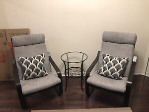 2 chairs & accent table