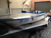 Ski race boat Caroline Springs Melton Area Preview