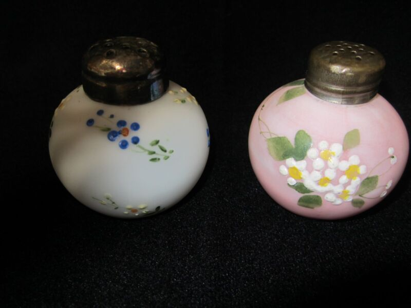 "Gorgeous Mt. Washington ""Little Apple"" Salt & Pepper.....white & pink"