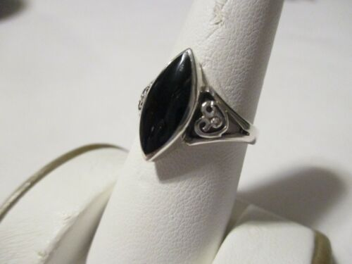 VINTAGE STERLING SILVER MARQUISE BLACK ONYX SOLITAIRE RING - SZ 8